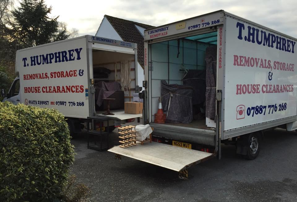 photo of team doing removals in Ipswich